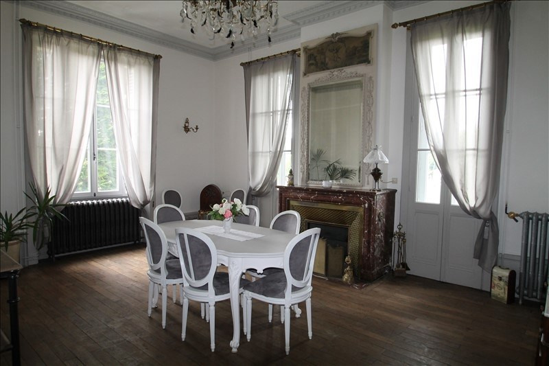 Deluxe sale house / villa Belley 703 000€ - Picture 1