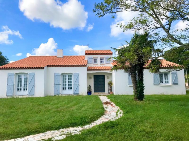 Sale house / villa Saint georges de pointindoux 294500€ - Picture 1