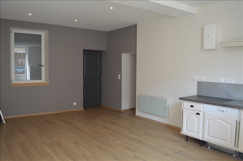 Rental apartment Yenne 670€ CC - Picture 5