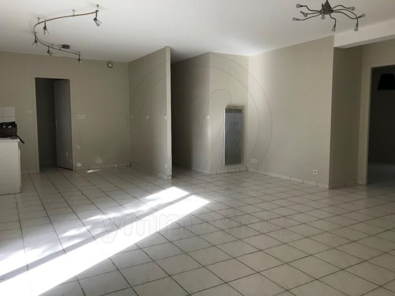 Rental apartment Saint andre de cubzac 701€ CC - Picture 3