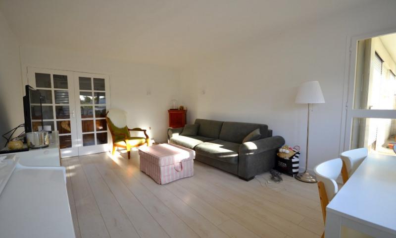 Sale apartment Plaisir 205000€ - Picture 2
