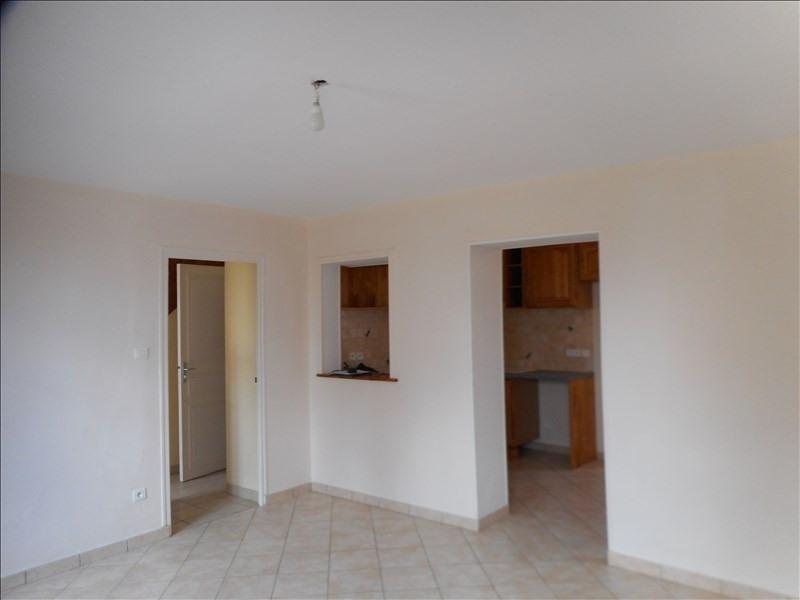 Verhuren  huis La murette 916€ CC - Foto 4
