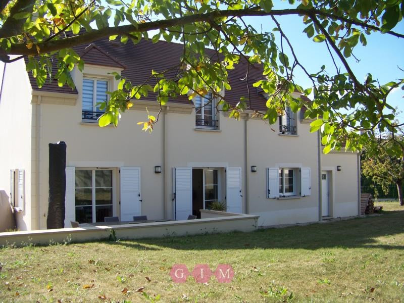 Rental house / villa Orgeval 2 569€ CC - Picture 1