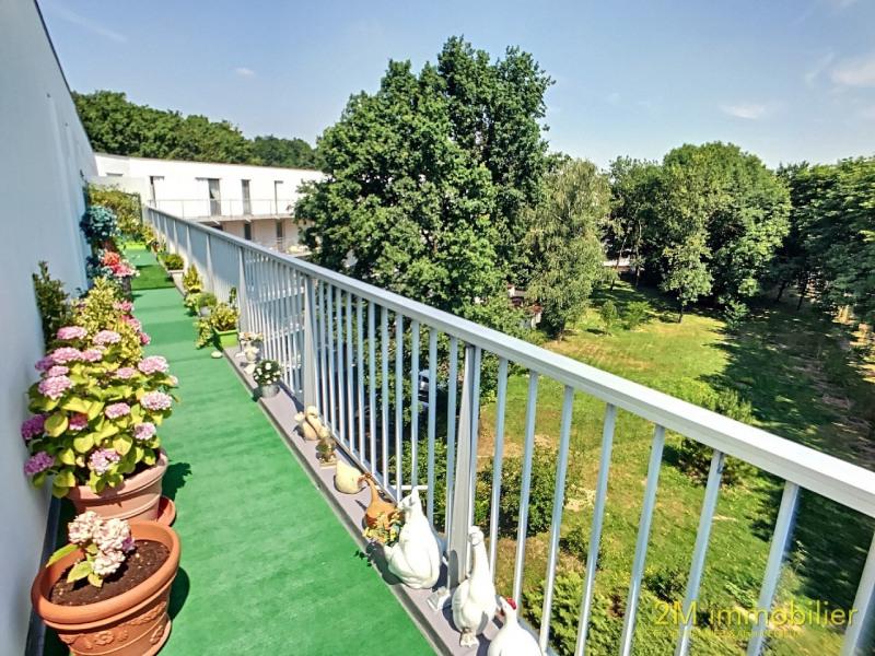Sale apartment Vaux le penil 185000€ - Picture 2