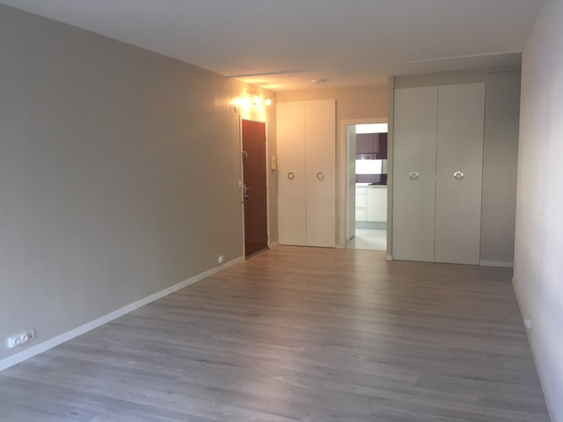 Location appartement Fréjus 760€ CC - Photo 1