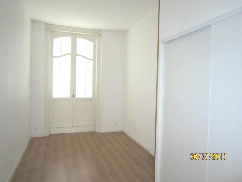 Rental apartment Cognac 570€ CC - Picture 4