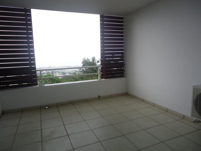 Location appartement Ste clotilde 392€ CC - Photo 6