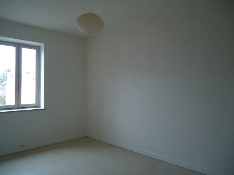 Location appartement Loyettes 450€ CC - Photo 2