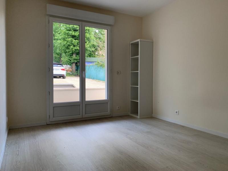 Rental apartment La ville du bois 840€ CC - Picture 7