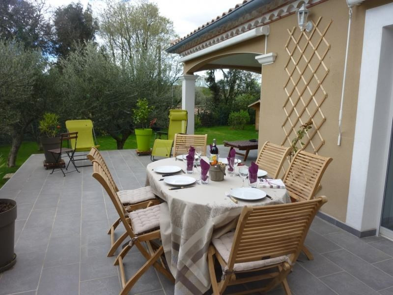 Rental house / villa St maximin 2 350€ CC - Picture 3