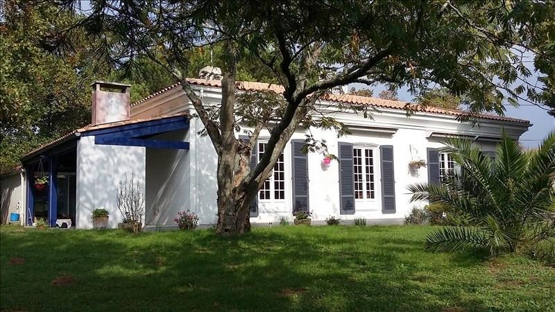 Deluxe sale house / villa Saujon 295400€ - Picture 1
