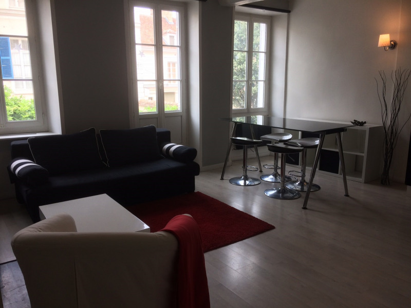 Location appartement Fontainebleau 1 190€ CC - Photo 2