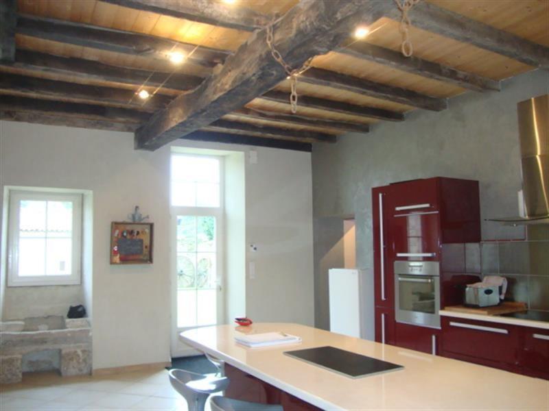 Sale house / villa Saint-jean-d'angély 169600€ - Picture 4