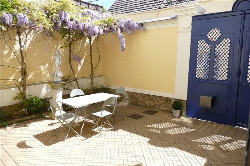 Deluxe sale house / villa Verrieres le buisson 1190000€ - Picture 2