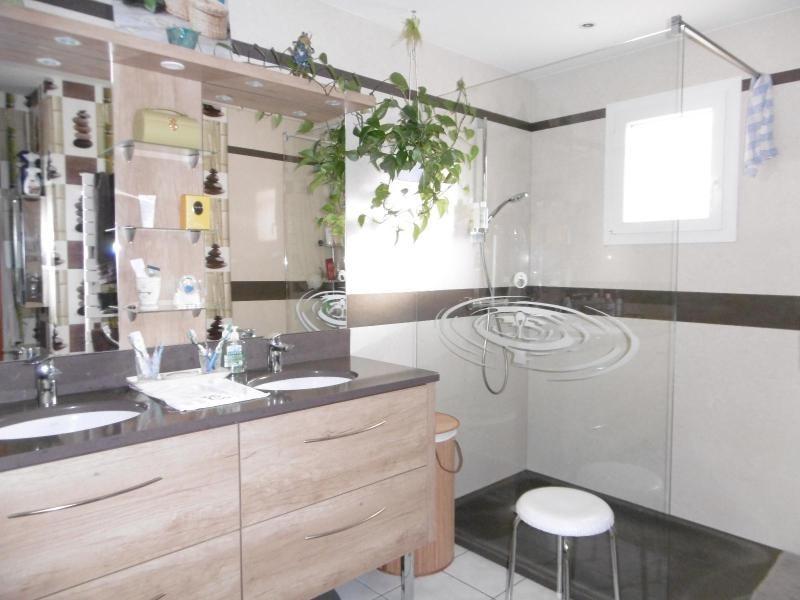 Vente maison / villa St rémy en rollat 227000€ - Photo 4