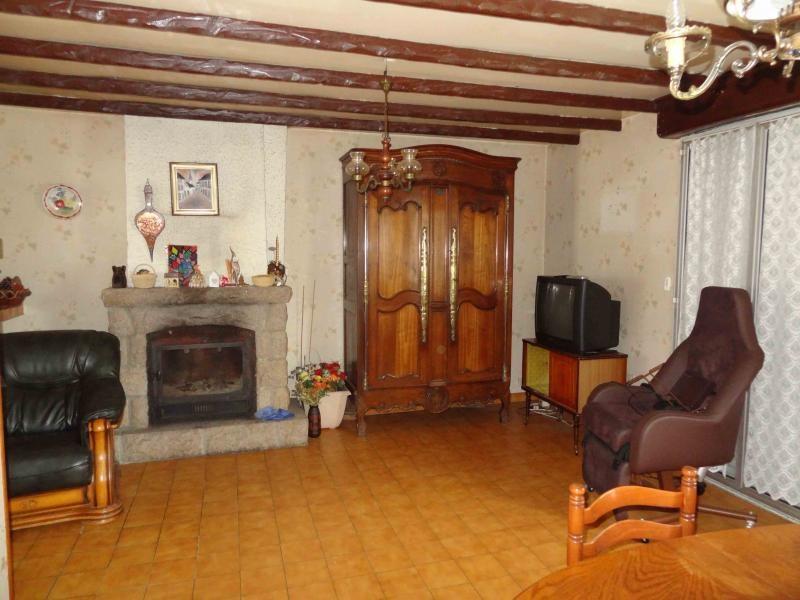 Sale house / villa St nicolas du pelem 54800€ - Picture 4