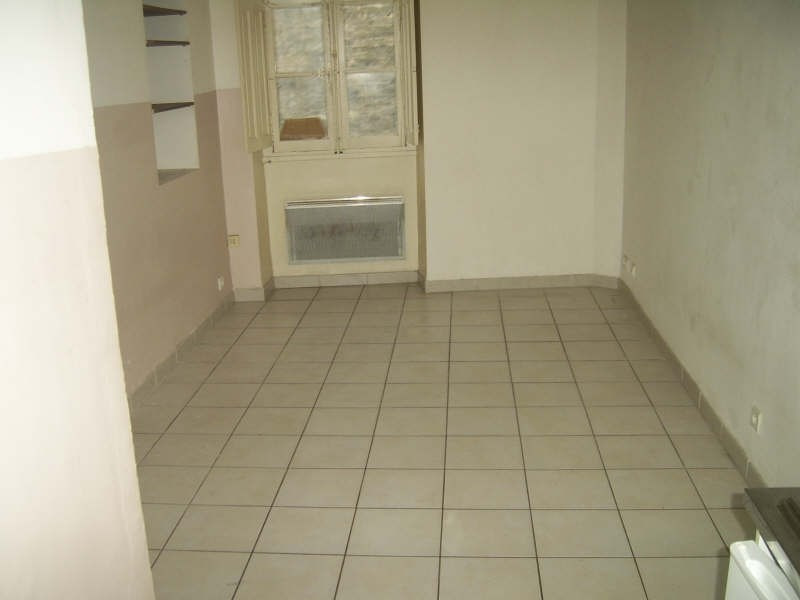 Verhuren  appartement Nimes 390€ CC - Foto 5