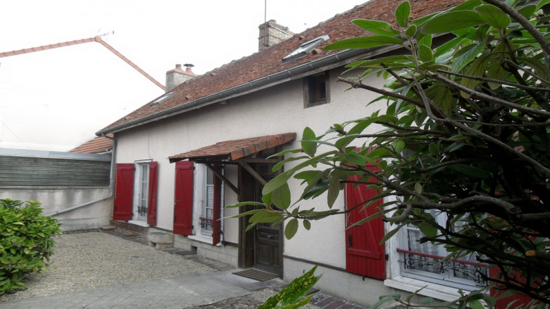 HOUSE IN TROYES FOR SALE