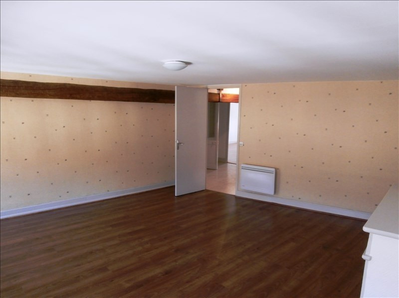 Rental apartment Secteur de mazamet 380€ CC - Picture 2