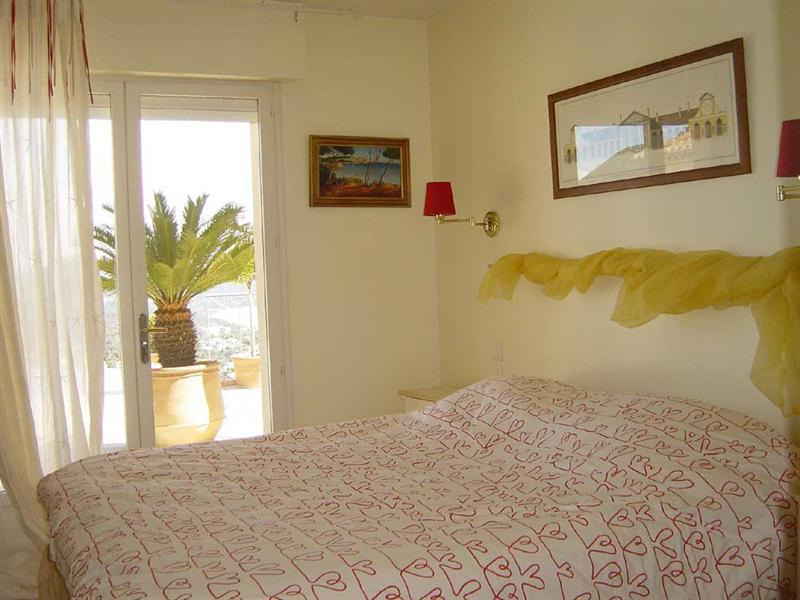 Vacation rental house / villa Cavalaire sur mer 5 500€ - Picture 8