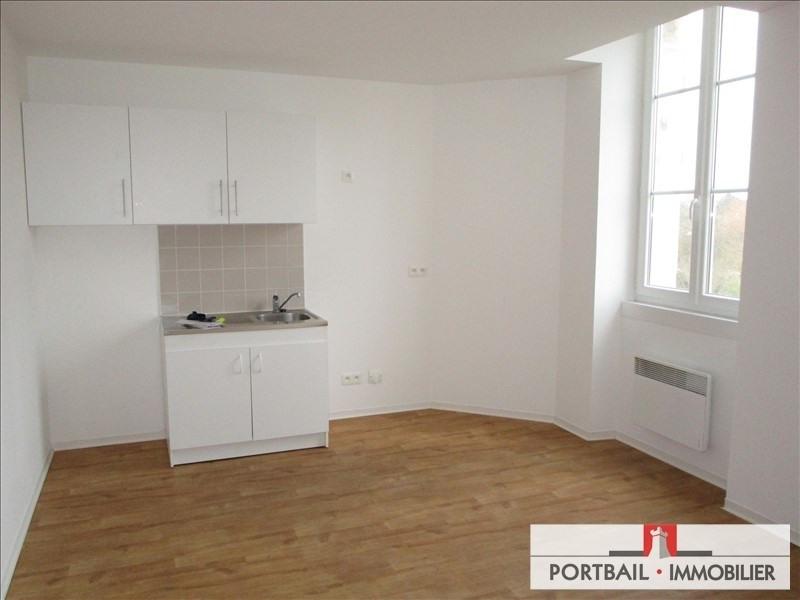 Location appartement Blaye 419€ CC - Photo 1