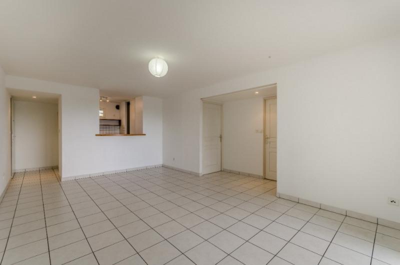 Rental apartment L etang sale 750€ CC - Picture 2