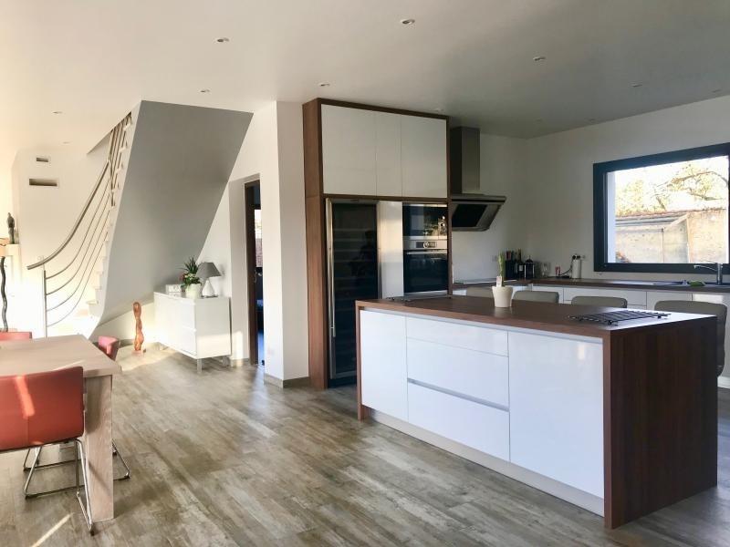 Sale house / villa Montfort l amaury 672000€ - Picture 3