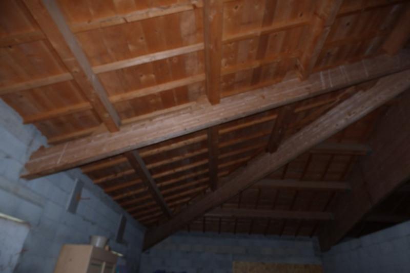 Sale house / villa Saint bardoux 170000€ - Picture 4
