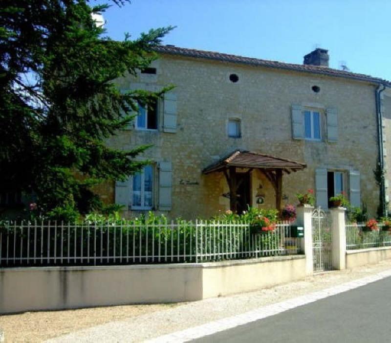 Sale house / villa Blanzaguet-saint-cybard 156600€ - Picture 11