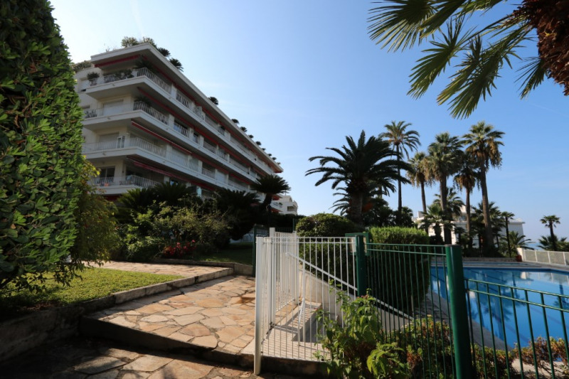 Deluxe sale apartment Nice 765000€ - Picture 1
