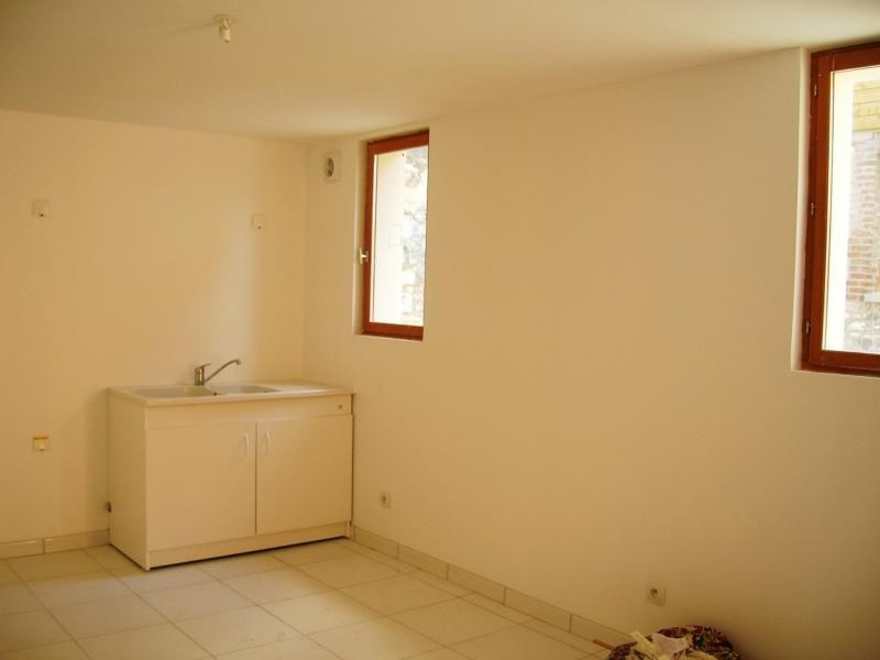 Rental apartment Pont de l arche 450€ CC - Picture 1