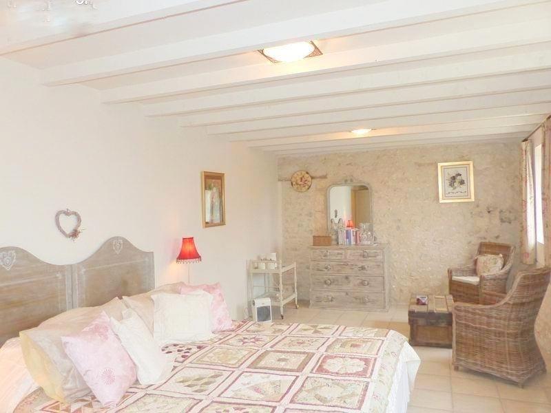 Sale house / villa St andre de cubzac 388500€ - Picture 7