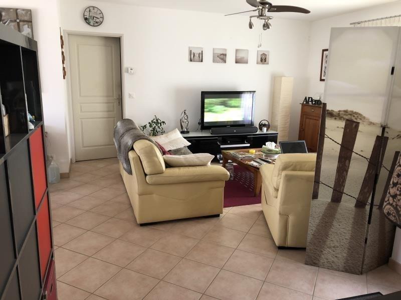 Sale house / villa Roches premarie andille 239000€ - Picture 4