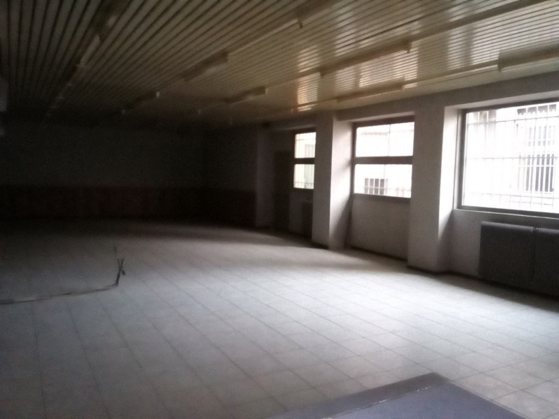 Location local commercial Oullins 750€ HT/HC - Photo 4