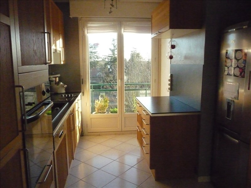 Vente appartement Charbonnieres les bains 398000€ - Photo 3
