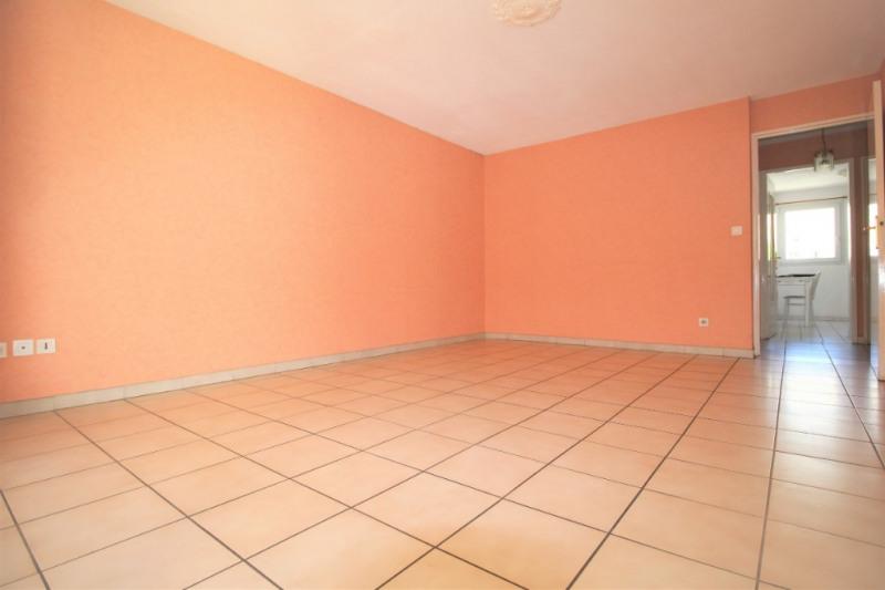 Sale apartment St laurent du var 174000€ - Picture 2