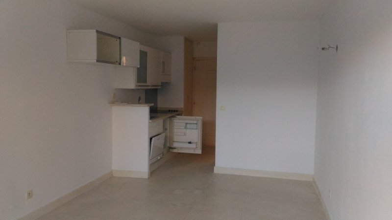 Location appartement Cagnes sur mer 568€ CC - Photo 2