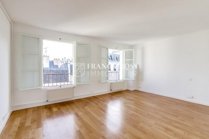 Location appartement Paris 4ème 2150€ CC - Photo 8