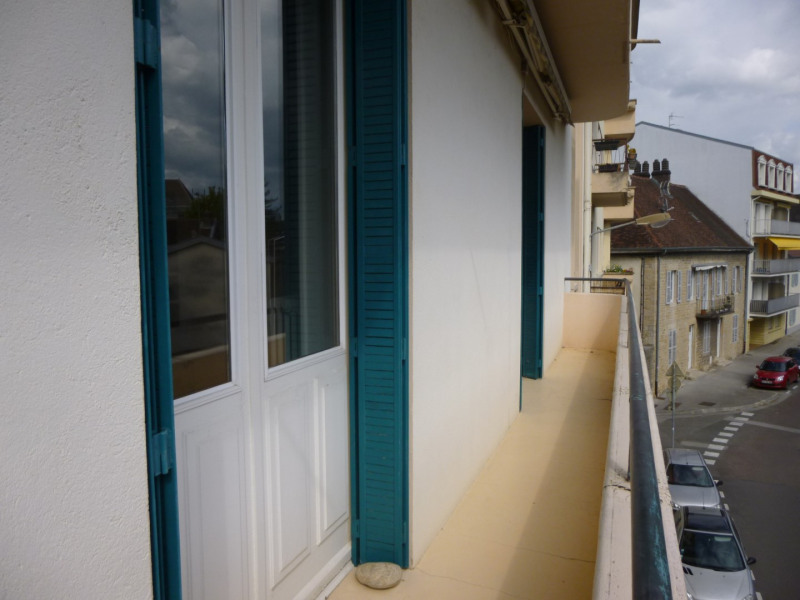 Vente appartement Lons-le-saunier 138 000€ - Photo 1
