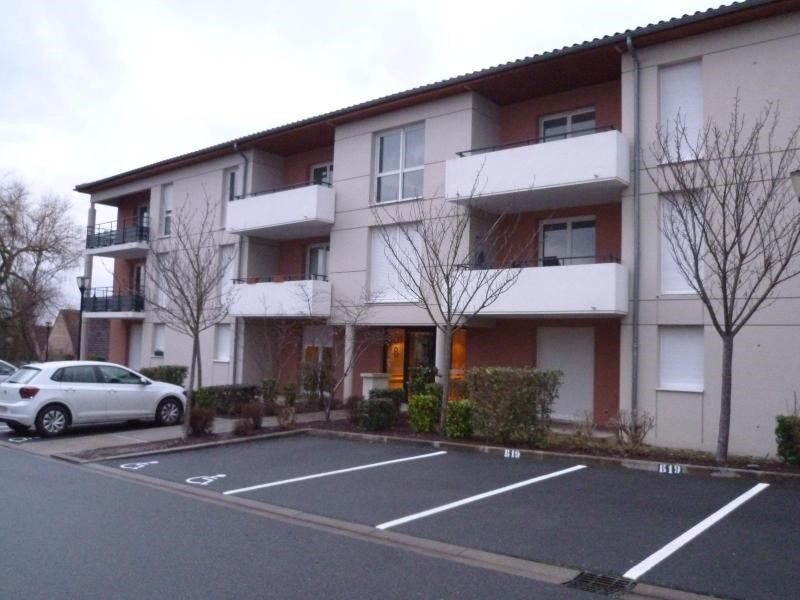 Sale apartment Cusset 65 400€ - Picture 1