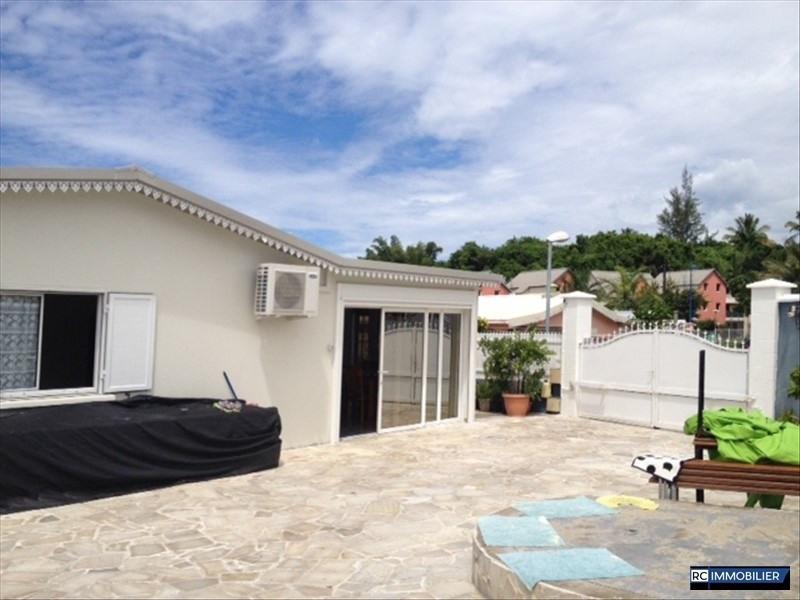 Sale house / villa Ste anne 220000€ - Picture 5