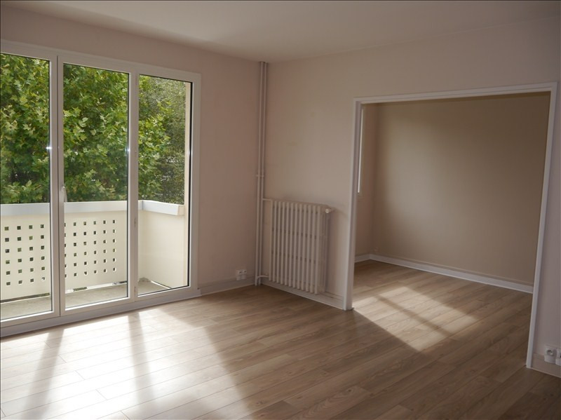 Location appartement Marly le roi 991€ CC - Photo 1