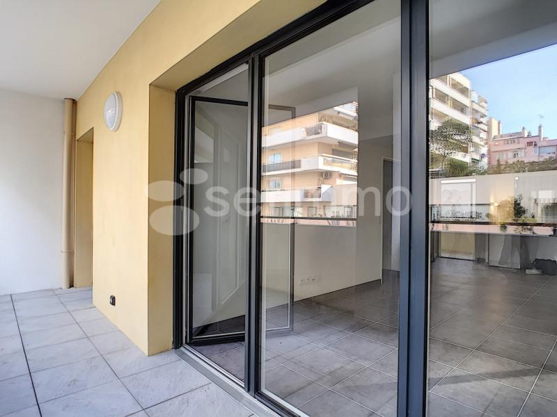 Location appartement Marseille 7ème 790€ CC - Photo 6