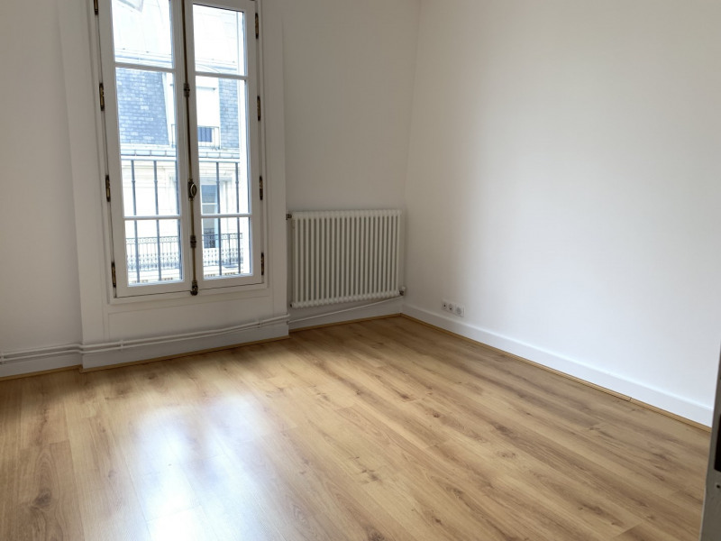 Rental apartment Paris 16ème 1 922€ CC - Picture 5