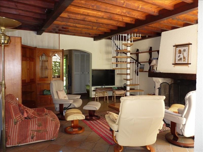 Deluxe sale house / villa Bon encontre 431600€ - Picture 2
