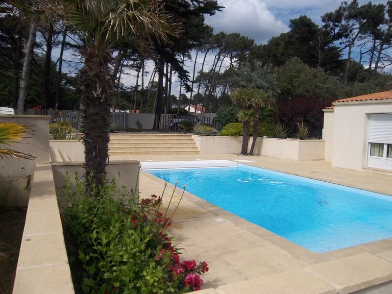 Deluxe sale house / villa Jard-sur-mer 676000€ - Picture 1