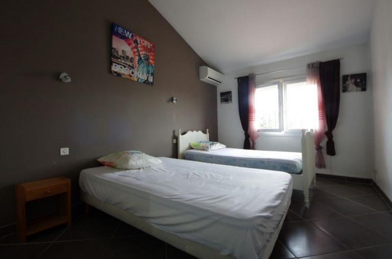 Vente maison / villa St genis des fontaines 245000€ - Photo 5