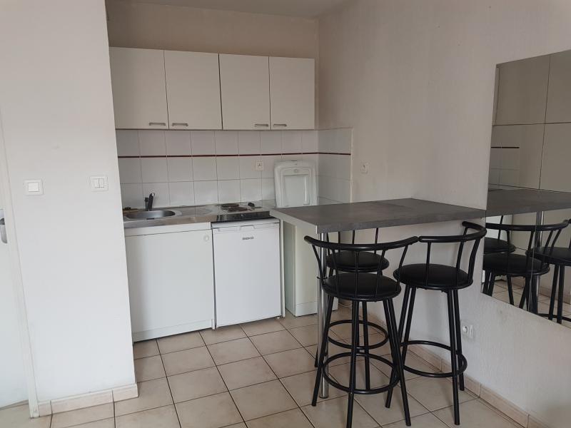 Sale apartment Toulon 82000€ - Picture 2
