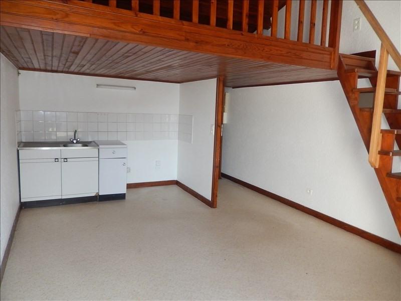 Location appartement Le monteil 413,79€ CC - Photo 1