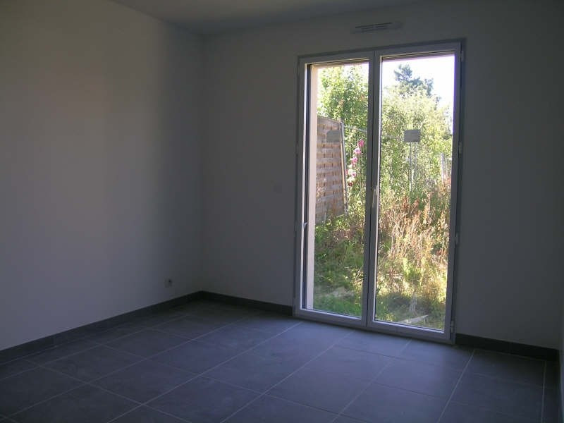 Rental house / villa Le mesnil st denis 1 572€ CC - Picture 3